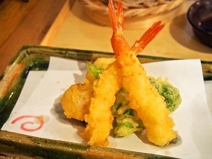 サクサクした天ぷらも絶品!うどんと良く合います。おつまみとお酒もそろっているので、夜はお酒も楽しむことができます。新しくておいしいうどんをぜひ試してみてください。
