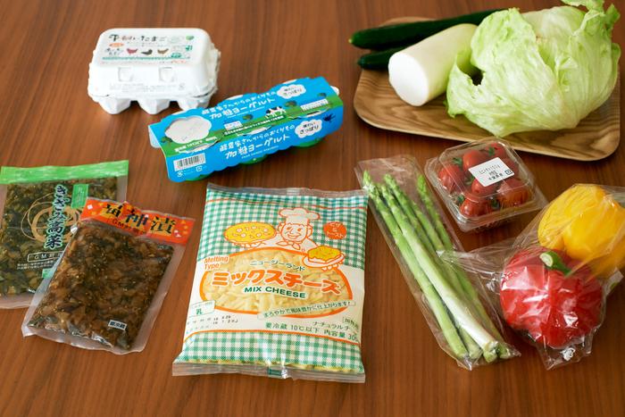 この日、のんすけさんのお宅に届いたのは、野菜をはじめ、ヨーグルトやチーズといった乳製品など。栽培期間中、化学合成農薬や化学肥料を使用しない、もしくは減らして栽培しているという「あっぱれ・はればれ野菜セット」は、素材の良さがそのまま感じられる人気食材の一つです。
