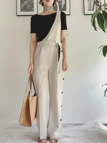 スカーフといえば、今おしゃれさんの間で話題のブランド「MANIPURI(マニプリ)」は見逃せません。  ヴィンテージ柄のペイズリーをプチスカーフで魅せて、今風スタイリングに。