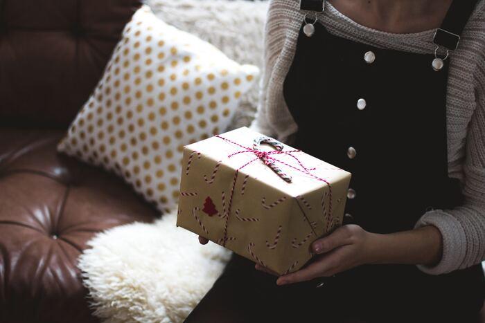 """クリスマスムードたっぷりなラッピングも、手作りならでは♪、""""季節感""""を演出してあげるのもおすすめですよ。"""
