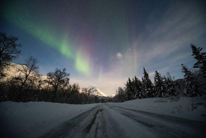 クリスマスの夜に巻き起こるそれぞれのストーリーに、つい引き込まれてしまうような展開が特徴です。心温まる、クリスマスシーズンにぴったりの作品。舞台はノルウェーですが、ノルウェーとスウェーデンの共同作品です。