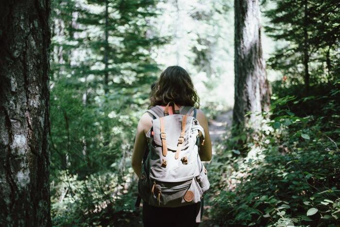 「登山」と聞くと、経験や知識が必要だったり、色々な道具を揃えないといけないのでは…と思ってしまいがちですが、国内には初心者さんでも気軽に登れる山も数多くあります。まずは簡単なコースからはじめてみませんか?自然の中で身体を動かすと、心もリフレッシュできますよ。