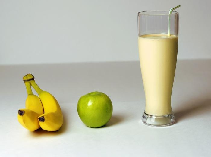 バナナジュースは、組み合わせるドリンクやプラスする食材次第で、いろいろな味が楽しめます。自宅でも手軽に作れるので、朝食やおやつにぴったり!ぜひ、いろいろなバナナジュースを作って試してみてください♪