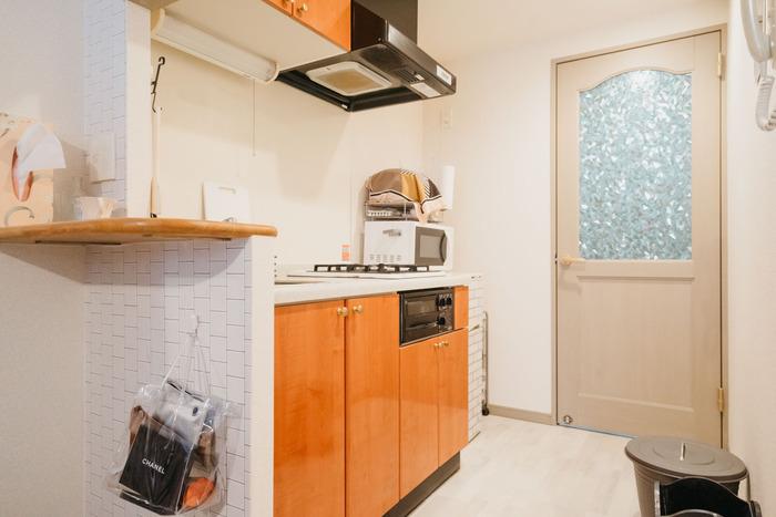 カウンター下のスペースに思い通りの収納機能があれば、物を整理しやすくなり作業効率も良くなります。 サイズやデザインなど、キッチンにぴったりな収納を自由に作れるのも、DIYならではの魅力。  置きたい物が決まったら、作ってみましょう。