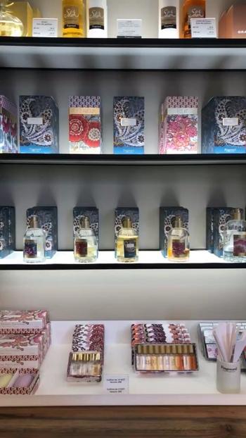 南仏で有名なフランスのブランド、Fragonard(フラゴナール)は、パリに香水美術館を持つほど香水ブランドの象徴的な存在です。  香水のお店と一緒に、2019年5月にリニューアルされたばかりの香水博物館も訪れてみましょう。