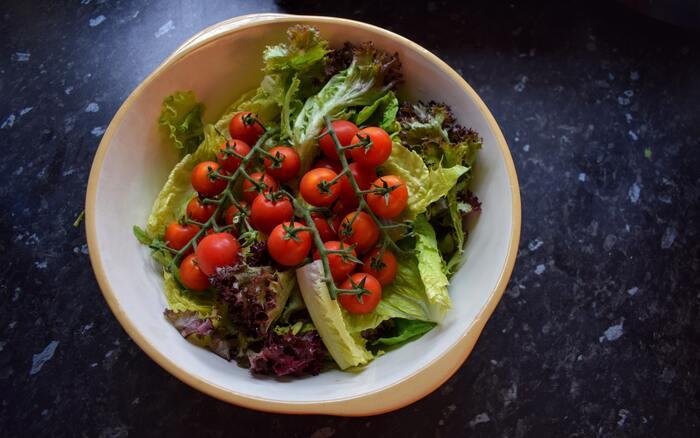サラダだけじゃない。たくさん食べられる「サニーレタス」のアレンジレシピ