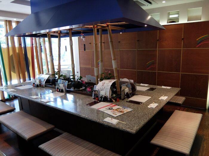 日比谷駅のすぐそばにあるアンテナショップ「かごしま遊楽館」。2階の「遊食豚彩いちにいさん日比谷店」は、鹿児島県の特産のひとつ、黒豚がおいしいと評判のお店です。