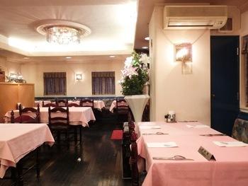 昔ながらのレストランの趣を感じる店内は、記念日やパーティーなどで使用されることも多いんだとか。