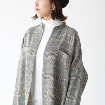 秋冬ファッションと言えば、欠かせないデザインが「チェック柄」ですよね。季節感をしっかり取り入れつつ、おしゃれ上級者の雰囲気をアピールできるアイテムです。  今回は大人の女性にぴったりな、上品チェック柄アイテムをご紹介します。