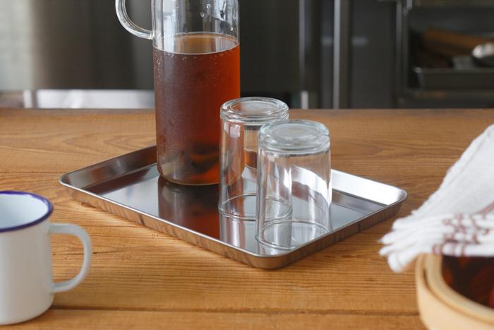 調理シーン以外にもテーブルでのちょっとしたトレーとして使ってももおすすめ。アイデア次第で、さまざまなシーンで活躍してくれそうですね!