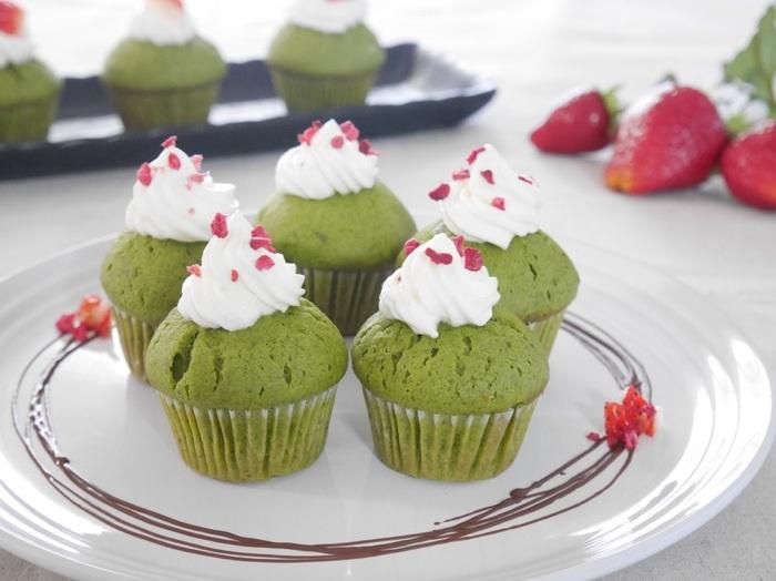 優しい緑が見た目にも綺麗な抹茶マフィン。ふんわりした生地と抹茶の風味が美味しく、パクパク食べられます。お好みで生クリームをトッピングしてもgood!