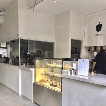 DOTORI(ドットリ)マカロンは、2019年8月23日(金)に代官山徒歩2分の場所にオープンしたお店です。韓国で今話題の「トゥンカロン」と呼ばれる、少し大きめで可愛らしい形や色が特徴のマカロンを販売しているお店です。