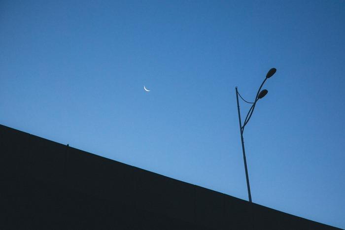 一日の終わりにこの曲を。夜風に吹かれながら聴きたいプレイリスト