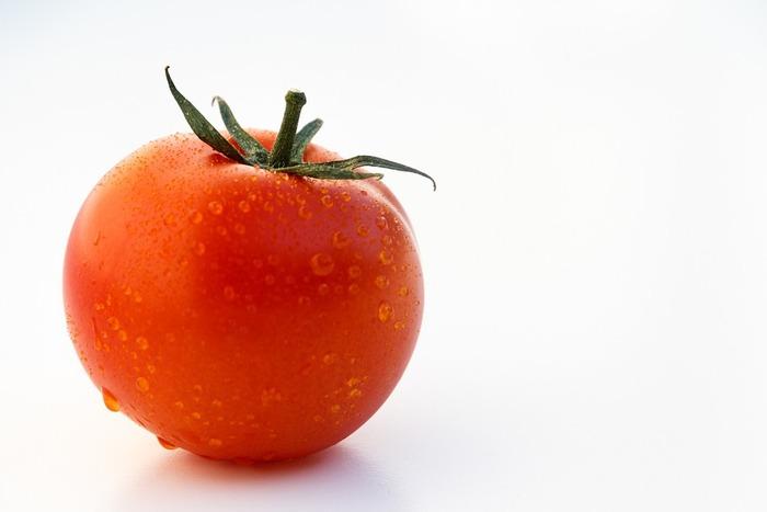 トマトにはたくさんの種類がありますが、その原型に近いのは、一般的トマトではなく実はミニトマト・プチトマトの方。そのため、普通のトマトよりも栄養価が高いんです。