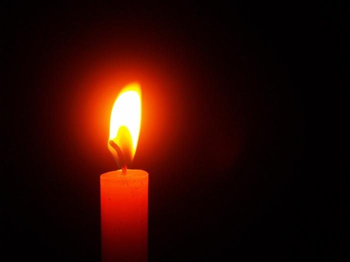 """新居で、キャンドルを灯してディナーをどうぞ、と思ったら…。キャンドルも赤いものも×。""""火事""""を連想させることが理由だそう。"""