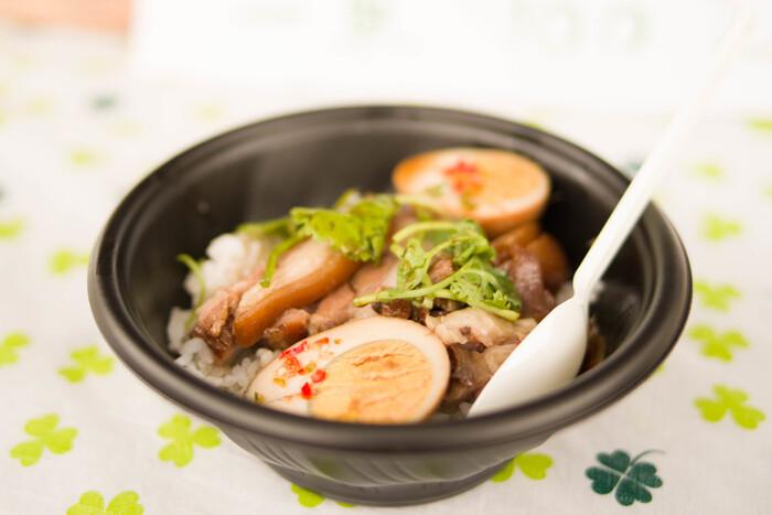 また主食がお米だったり、お箸やお茶碗を使って食べる点などが日本とよく似ているので、エスニックに慣れていない方でも食べやすいですよ。
