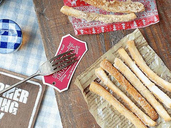 サンドイッチを作った後に余りがちの食パンの耳を使ってラスクに。こちらは、シュガーと黒糖きなこのフレーバーですが、おろしにんにくやオリーブオイルに漬けたガーリック風味もおすすめです。