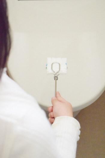 流せるトイレブラシには専用のハンドルが付いていますが、お子さんがトイレ掃除しやすいように無印良品の柄つきフレームを利用しているんだそう。簡単に取り外しできるため、お子さんでもトイレ掃除のお手伝いがしやすくなりますね。
