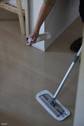 水の代わりに除菌消臭スプレー「Sourif(スリーフ)」を床にスプレーして拭き掃除すれば、床の除菌もしてくれます。除菌消臭スプレーで掃除を始めたら、ニオイも解消してピカピカになったそうです。