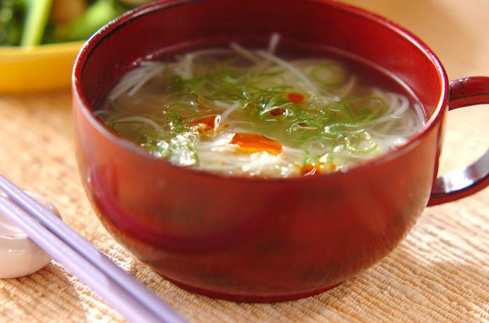 忙しい朝でも手早く作れる、お手軽中華スープです。ザーサイが多いと塩辛くなってしまうので、お好みの味になるよう量を調節してくださいね。