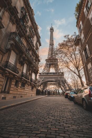 『シンプルで心地いいパリの暮らし』に学ぶ、小さな空間で自由に暮らすヒント