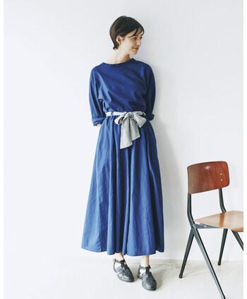 上下同じ素材やカラーで合わせられる、着るだけでおしゃれなセットアップのお洋服。2019年の秋冬コーデとして、人気の高まっているアイテムです。  揃えて着ればワンピースのようになるものや、ジャケットとパンツなど統一感のある着こなしが楽しめるものなど。セットアップと一口に言っても、さまざまなタイプがあります。このあとコーディネート例でもいくつか紹介していますので、ぜひチェックしてみてください。
