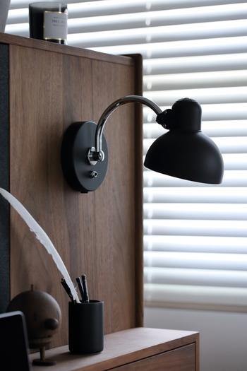 フリッツハンセンのカイザー・イデルは丸みを帯びたフォルムがとても美しいライトです。やわらかな灯りは、目を刺激しすぎません。