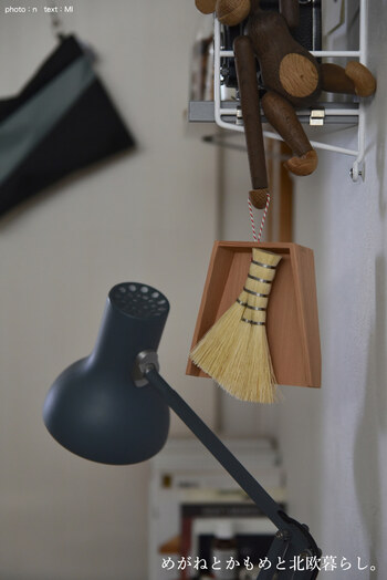 こちらは東屋のお手掃きという日本らしいアイテムです。和風なアイテムですが、ナチュラルなテイストでどんなお部屋にもマッチするデザイン性の高さがあります。