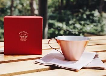 RED&WHITEのパッケージは、贈り物にも適したこだわりのパッケージなので、プレゼントにも最適です。