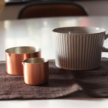 アイスコーヒーのカップを購入したら、せっかくなのでピッチャーも銅にこだわってみませんか?銅なら、衛生面も安心で、アイスコーヒーに添えて食卓に出せば、それだけでカフェ気分に♪