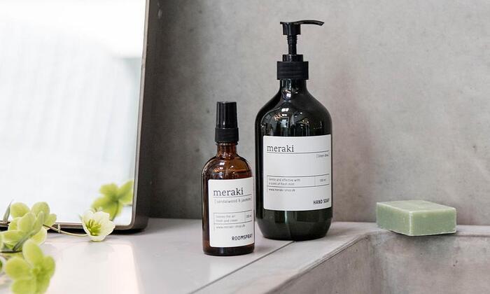 使い心地もやさしく、使用後は髪に潤いを与えてくれるシャンプー。ローズマリーやミントをベースとしたクリーンで心地よくやさしい香りです。