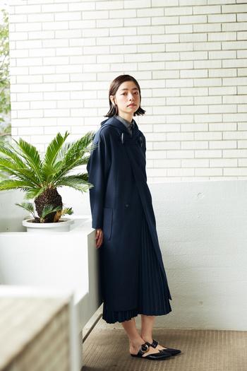 秋のおしゃれを心地よく。市川実和子さんが着る「大人のミニマルコーデ」