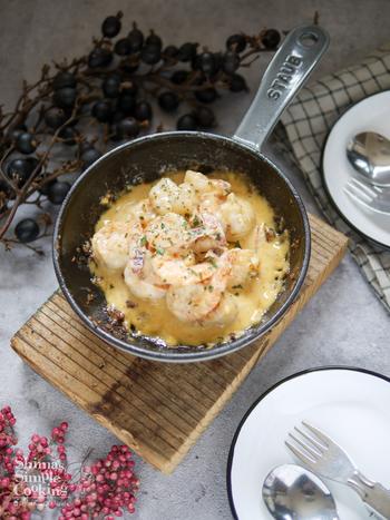 お肉やホイル焼きに飽きたら、こんなスキレット料理もいいですね。海老マヨ明太風味で子供も喜ぶ味。