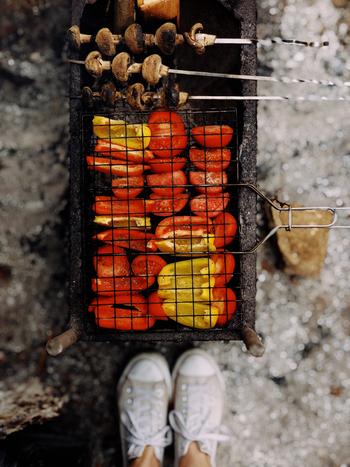 バーベキューで家族や友人とおいしいものを食べながら語らう瞬間は最高ですよね。みんなに喜んでもらえるレシピを研究して、いつものバーベキューをもっと盛り上げてみませんか?