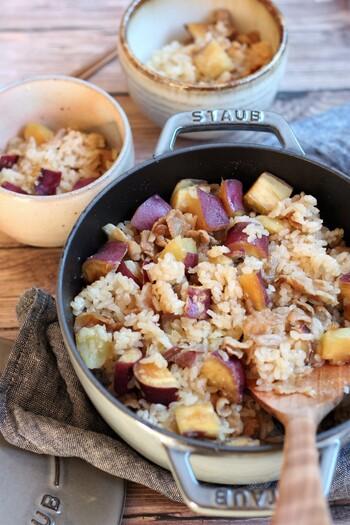 豚肉の旨味と、サツマイモの甘みやホクホク感が絶妙な一品。アウトドアのシーンでも喜ばれそうな炊き込みご飯です。