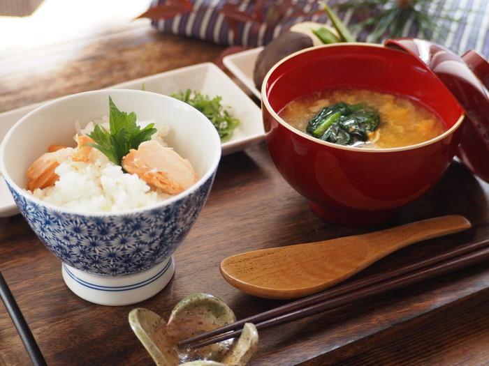 相性の良い2食材を使うので、味付けの失敗も少なくなります。それに、コストもそれほどかかりません。そんな簡単に美味しく秋の味覚を頂ける2食材の炊き込みご飯にトライしてみましょう♪