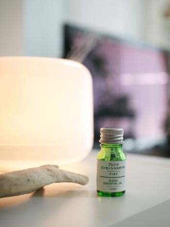 忙しい日々の合間、上手にリラックス&リフレッシュ出来ていますか?音楽や照明と同じように、香りにも心を癒してくれる効果があります。アロマを上手に味方につけて、気持ちの良い時間を過ごそう。