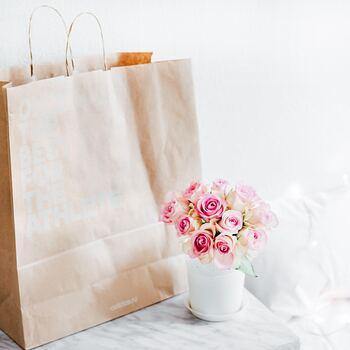 袋に入れて収納するときには、通気性が悪いとカビの原因になるため、ビニール袋ではなく紙袋や不織布の袋を選びましょう。