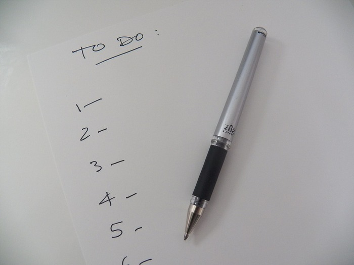 いくつもの仕事を同時にこなしていくためには、自分が何をしなければならないか、明確にしておく必要があります。やらなければならないことをto do listを使って見える化することで、仕事全体のボリューム、そして優先順位を確認していくことができます。