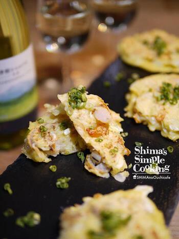 エビとホタテ入りの海鮮お好み焼き。だし風味で上品な大人の味です。ワインにも合うおしゃれなお好み焼きとして、ホームパーティーなどにもおすすめです。