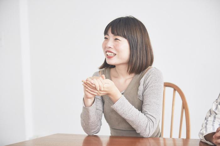 ヘア&メイクアップアーティストの松田未来さん。ファッション誌、アパレルブランドのカタログなど、さまざまな媒体で活躍中。インスタグラムで5万人を超えるフォロワー数を持ち、インスタライブの細やかなメイク動画など話題を呼んでいる。