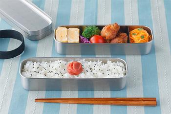 お弁当箱には長方形や楕円形など様々な「かたち」がありますが、それぞれの形状に合わせておかずの詰め方や大きさを変えると、綺麗に盛り付けることができますよ◎。