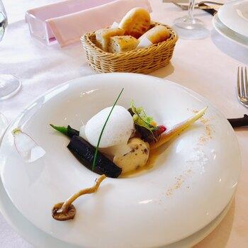 お食事もアートとして楽しめるここカフェレストラン・オー・ミラドーは、芸術作品かのようなお食事が楽しめます。ちょっと贅沢なランチを楽しみたいなら是非足を運んでみて下さい♪