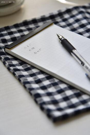 近年、ビジネスマンを中心にあらためて脚光を浴びている「メモを取る」という行為。頭の中にふと思い浮かんだアイデアや、その日やるべきことをちょっと書き留めておくのに便利ですよね。