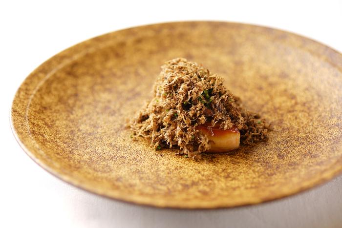 「ミクニサッポロ」の魅力は、北海道の旬の食材のおいしさを最大限に生かした四季折々のお料理。旬の素材で、お料理から季節を感じられます。