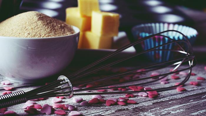 「ギー」とはバターオイルの一種で、すべての不純物を除いた純粋な油。疲労や毒素を取り除き、活力や知力、消化や記憶力などをあげる最も優れたオイルとも言われています。