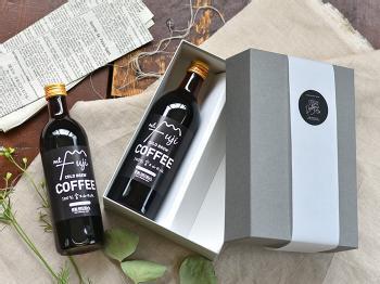 """全国にファンを持つ静岡の人気コーヒーショップ「IFNi ROASTING & CO.(イフニ ロースティングアンドコー)」のアイスコーヒー。富士山の天然水を使ってじっくり水出し抽出しているというこだわりの味。""""本物""""がわかる大人のあの人へ。"""