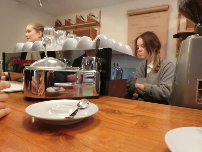 おすすめはやはり、ブラックコーヒー。世界中からこの1杯を飲むために、多くの人々が訪れていますよ。