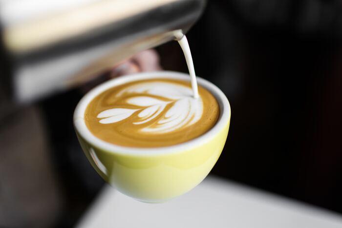 世界バリスタチャンピオンのティム・ウェンデルボー氏のコーヒーショップが、その名前の通り「Tim Wendelboe(ティム・ウェンデルボー)」。ノルウェーのコーヒーの最先端を行くと言われているコーヒーをお楽しみいただけます。