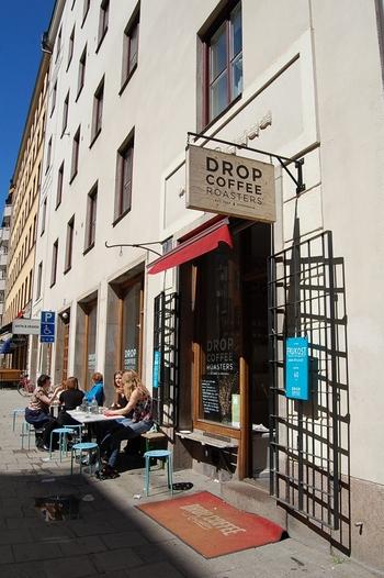 ストックホルムの中心地にある「Drop Coffee(ドロップコーヒー)」。今や北欧好きの中ではすっかり有名&定番のコーヒーショップとなりました。